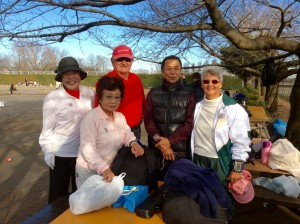 Before the games began, Kayoko (in pink) Keiichi, Jim and Barbara met up with others to play in the event.